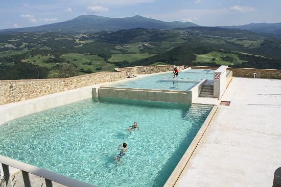 castle_Tuscany_unique_amazing_View