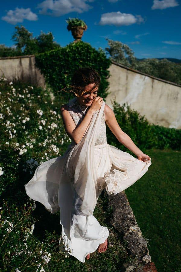41_bride_in_the_garden