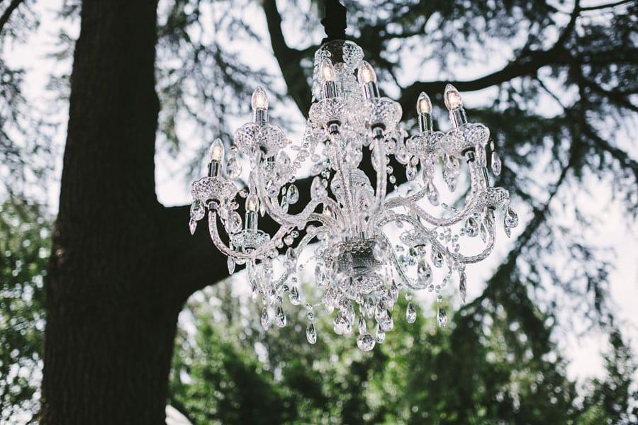 11_chandelier_ceremony_decor