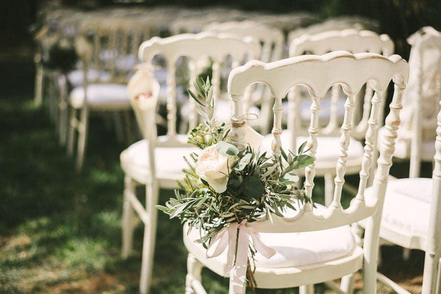 8_wedding_ceremony_chairs