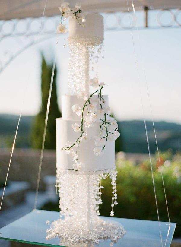 20_wedding_cake_with_Swarowski_details