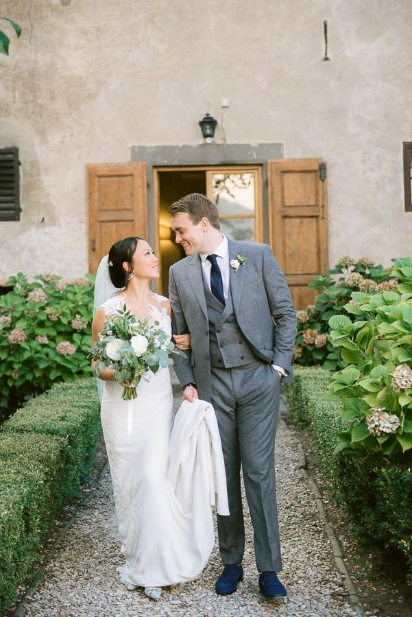 18_newlyweds_wedding_at_Villa_Medicea_di_Lilliano