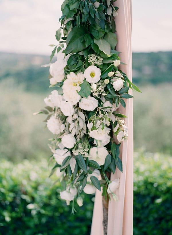 19_wedding_floral_arch