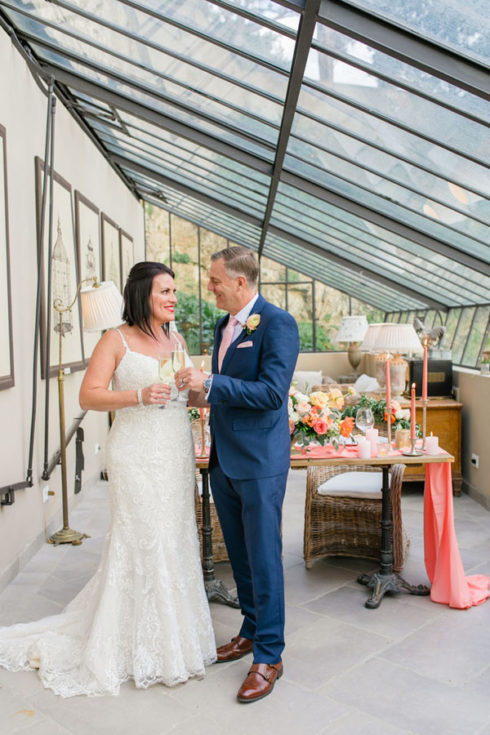 Living coral tones for the most romantic elopement in Tuscany